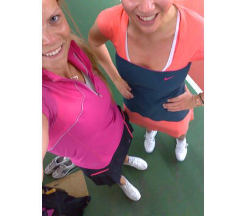 Jag och Ebba von Sydow efter vår tennismatch.