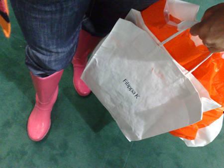 Några shoppingpåsar och jag.