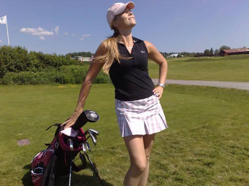 På golfbanan.