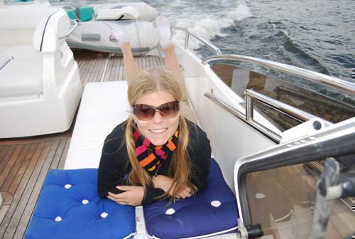 Det blåste lite kallt under själva båtfärderna.