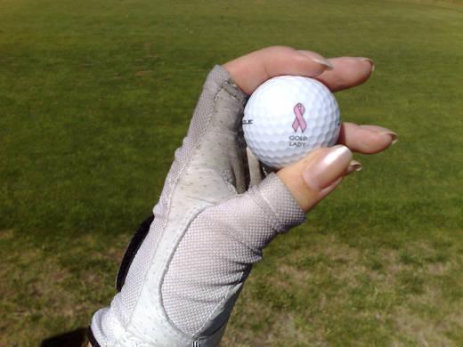 Rosa Bandet-golfboll.