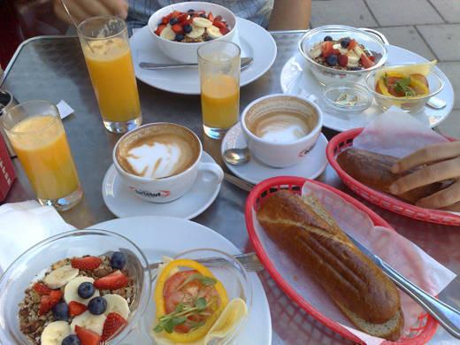 Frukost på Sirap.