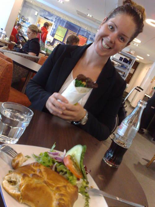Sara vid lunchen på Waynes.