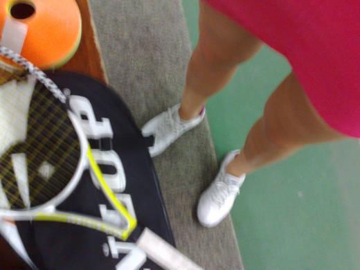Lite skakig på hand - kan det vara för att jag var så ivrig att få spela tennis?