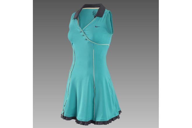 Snygg tennisklänning från Nike.