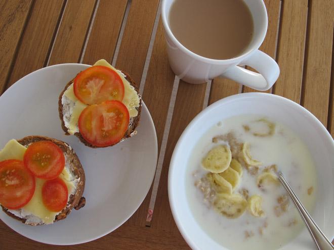 Frukost på balkongen.