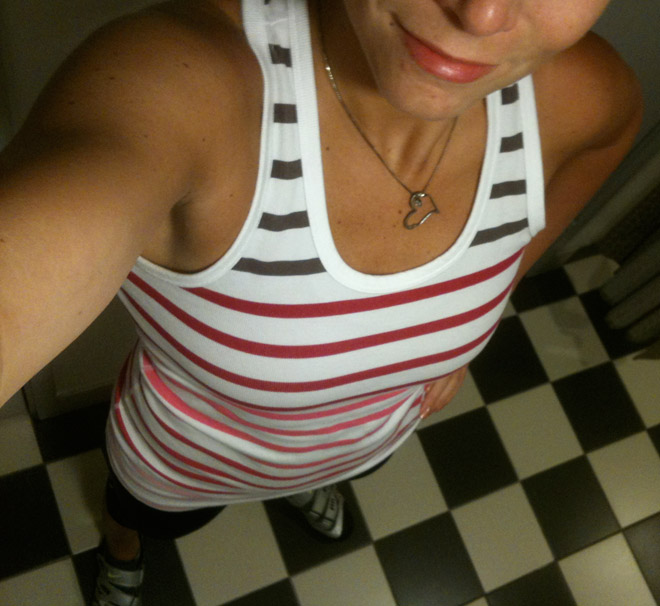 Morgonens träningsoutfit - gammalt favvolinne från Nike och capritights från Craft.