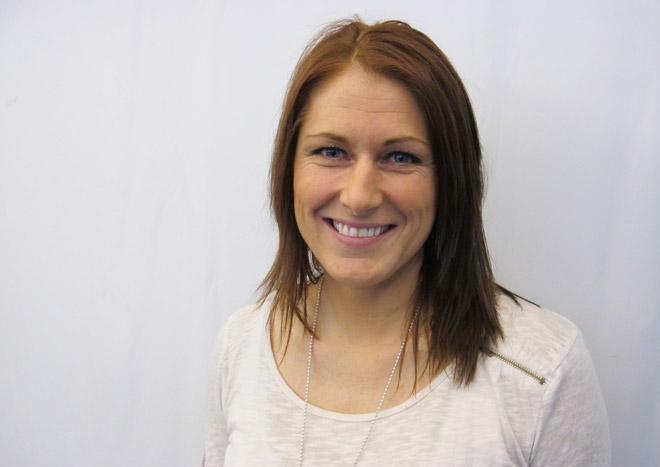 Erika Johansson med ny fin hårfärg.