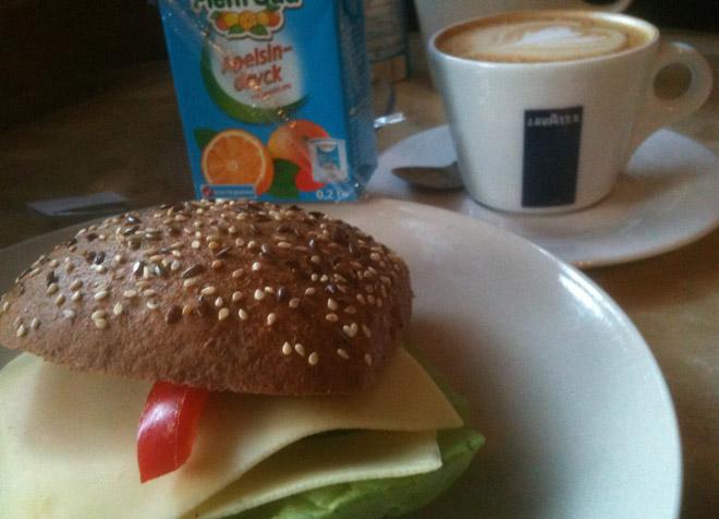 Frukost på Café 60 med familjen.