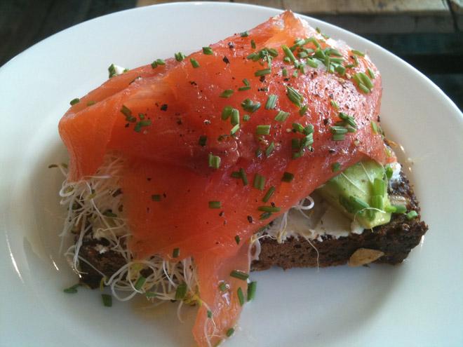 Godaste frukostmackan. Äts enklast med kniv och gaffel.