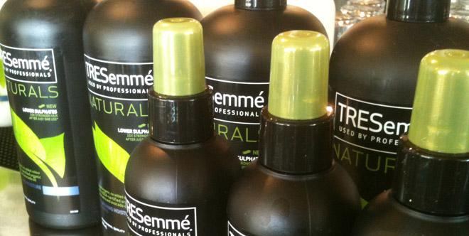 TreSemmé Naturals finns i schampo, balsam, hårspray och mousse.