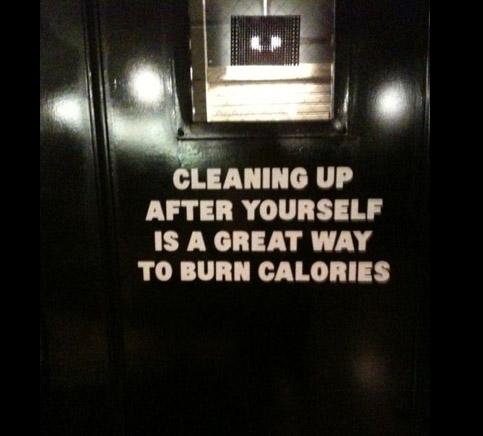 Det är bra att testa olika sätt för att få folk att städa upp efter sig i gymmet. (Foto lånat av min kompis Johanna.)