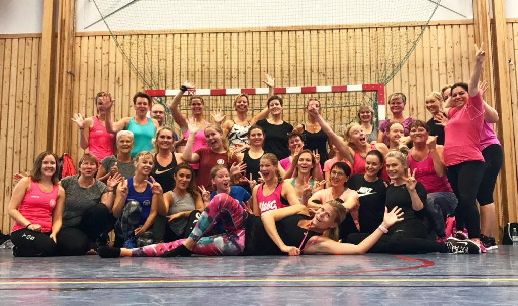 Gruppbild efter avslutad träning i Tranås.
