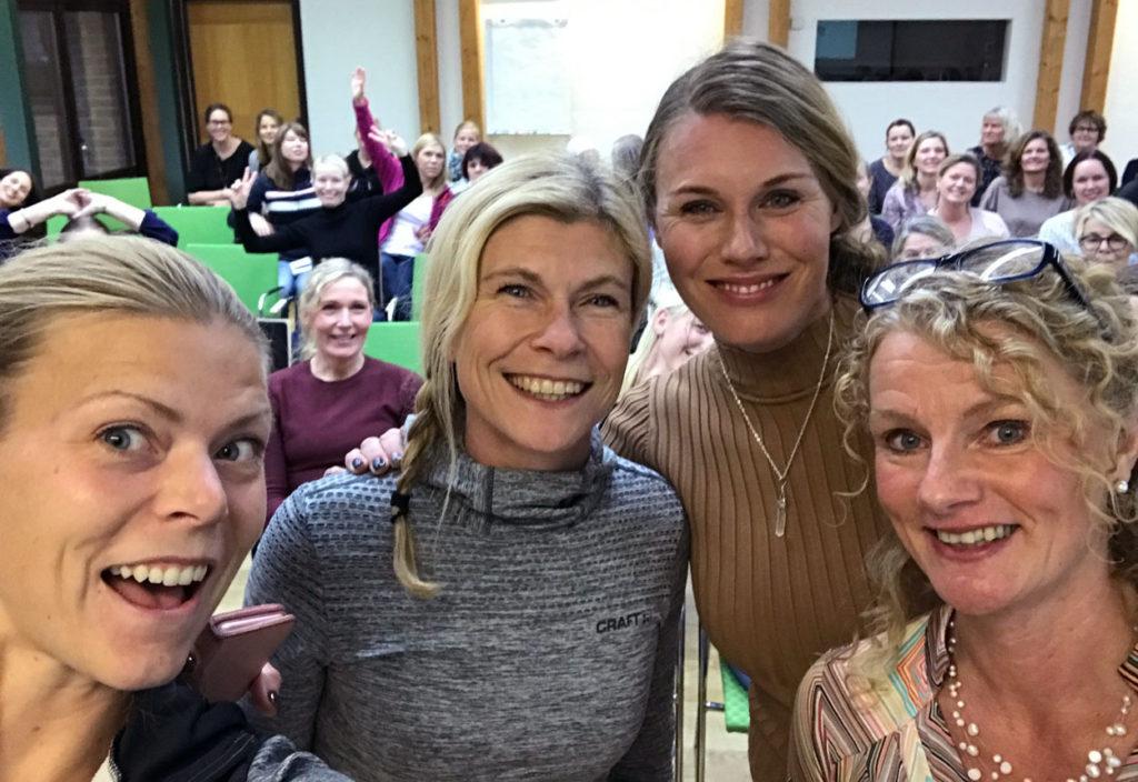 Jag, min kollega Kristina, Emma Green och Camilla Kallin efter de sistnämndas avslutningsföreläsning.