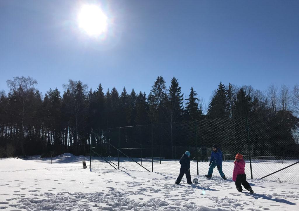 Fotboll funkar fint även på vintern.
