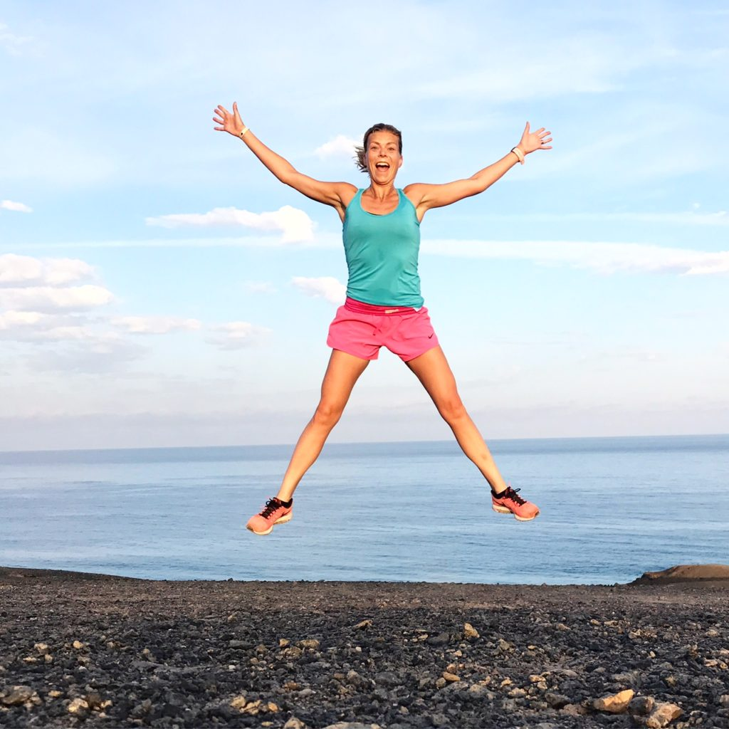 Glädjeskutt uppe på berget efter underbar morgonjogg på stranden!