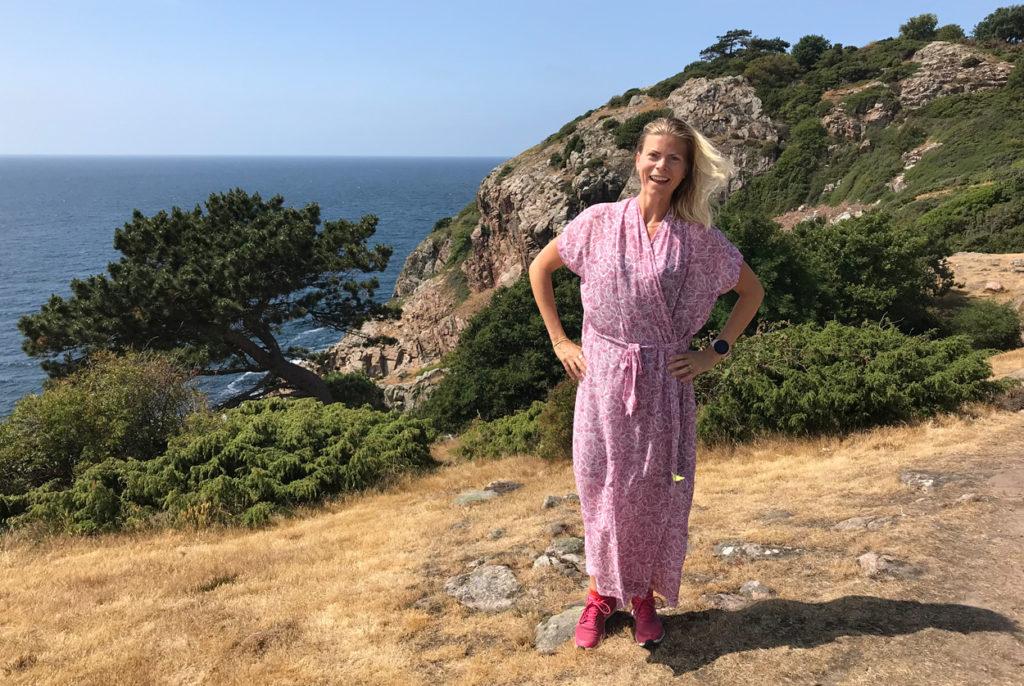 Strålande sol största delen av vandringen. Hade inte riktigt vandraroutfit på mig, men klänningen var sval och skön.