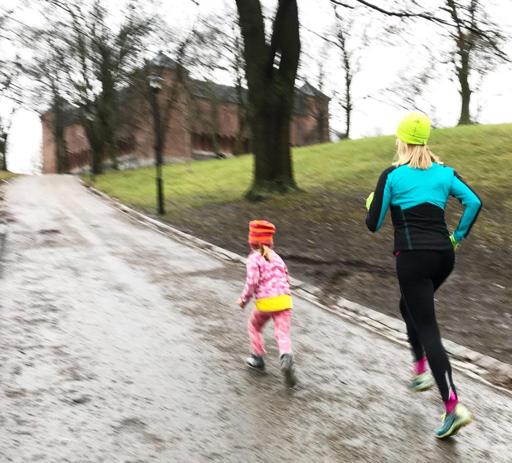 Lördagslöpning med min dotter Tilde. Så härligt att få springa tillsammans!