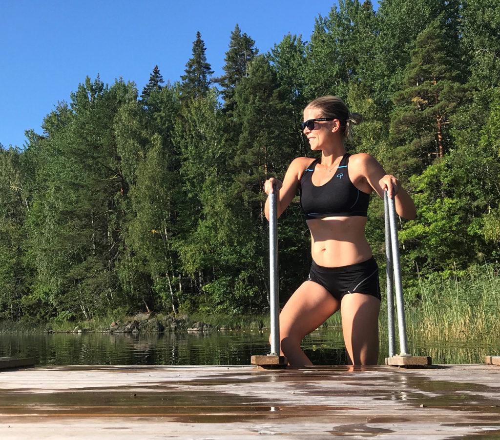Skönaste badet när jag är svettig efter morgonjogg och får svalka mig i sjön.