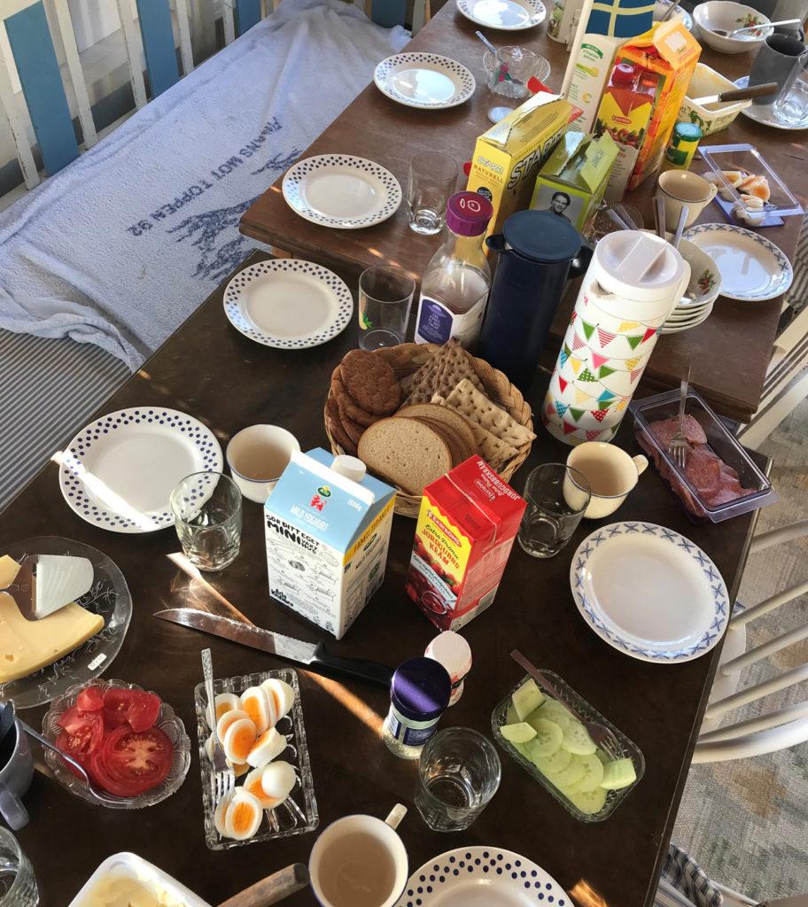 Frukost för många. Underbart!