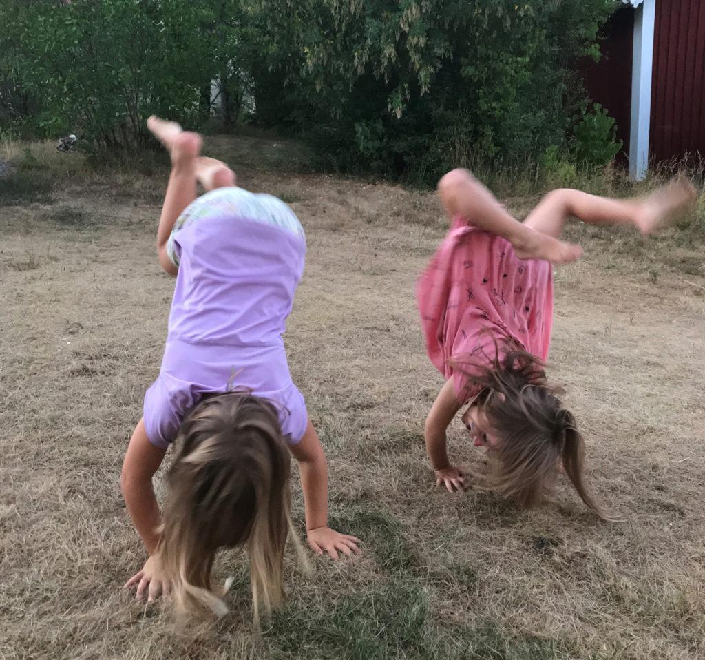 Barnens glädje att få hänga med kompisar!