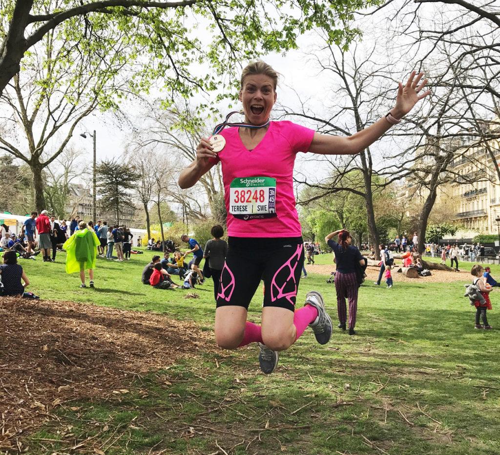 Glädjeskutt efter målgången i Paris Marathon 2018.
