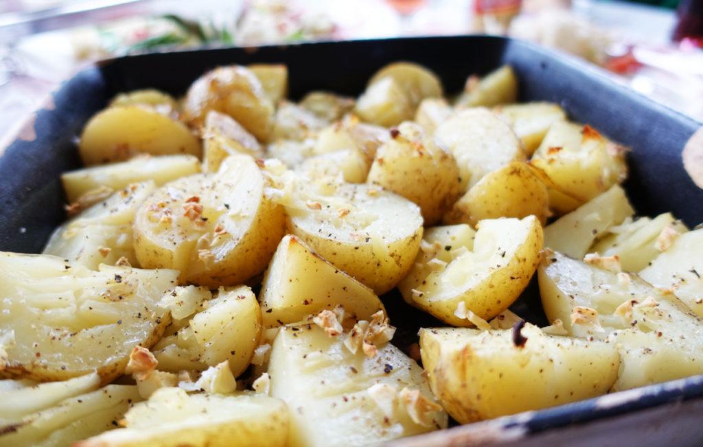 Potatis i ugn, enkelt och piffar upp redan kokt potatis.