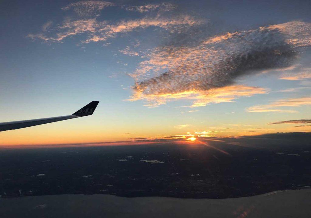 Vacker solnedgång när vi närmar oss Chicagp.