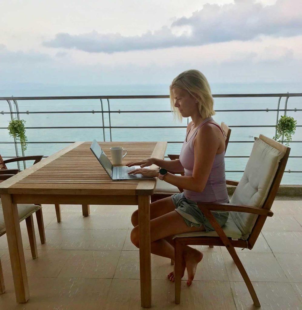 I Thailand skrev jag varje dag på boken, ofta tidig morgon samt sen eftermiddag.