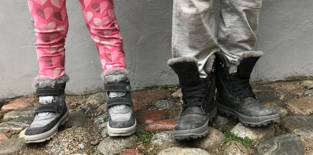 Charles har blivit en minitonåring i sina skor - coola skor som värmer bra samtidigt som de är snygga och sköna.