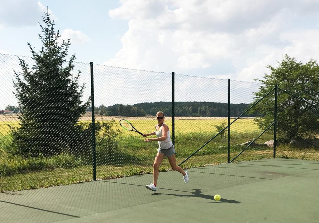 Tennis på sommarstället.