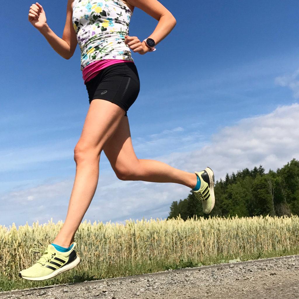 Jag hakar på träningstrenden med att träna med sportklocka samt att fortsätta träna utomhus.