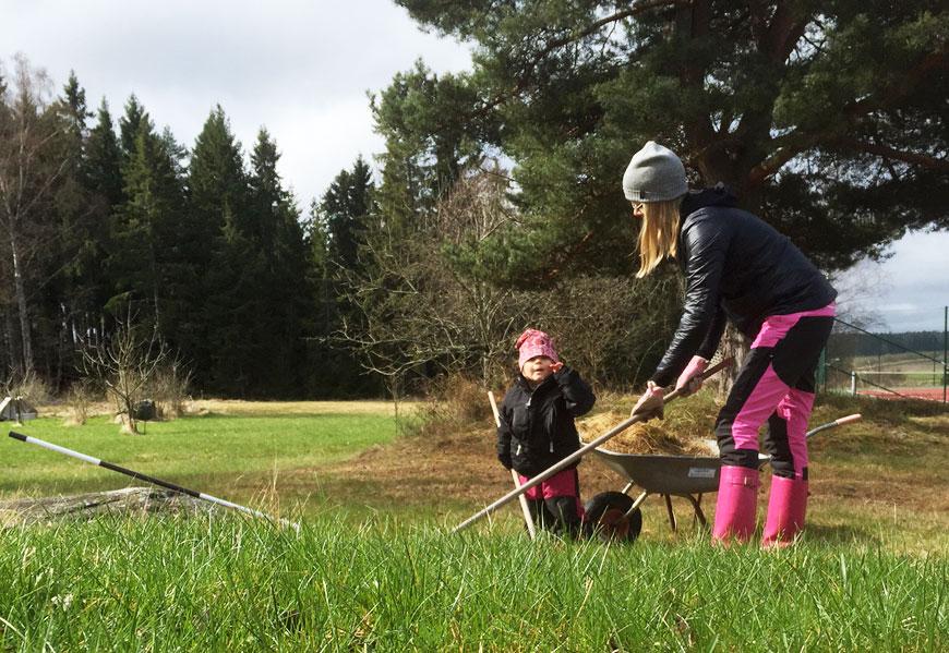 Trädgårdsskötsel i aprilväder