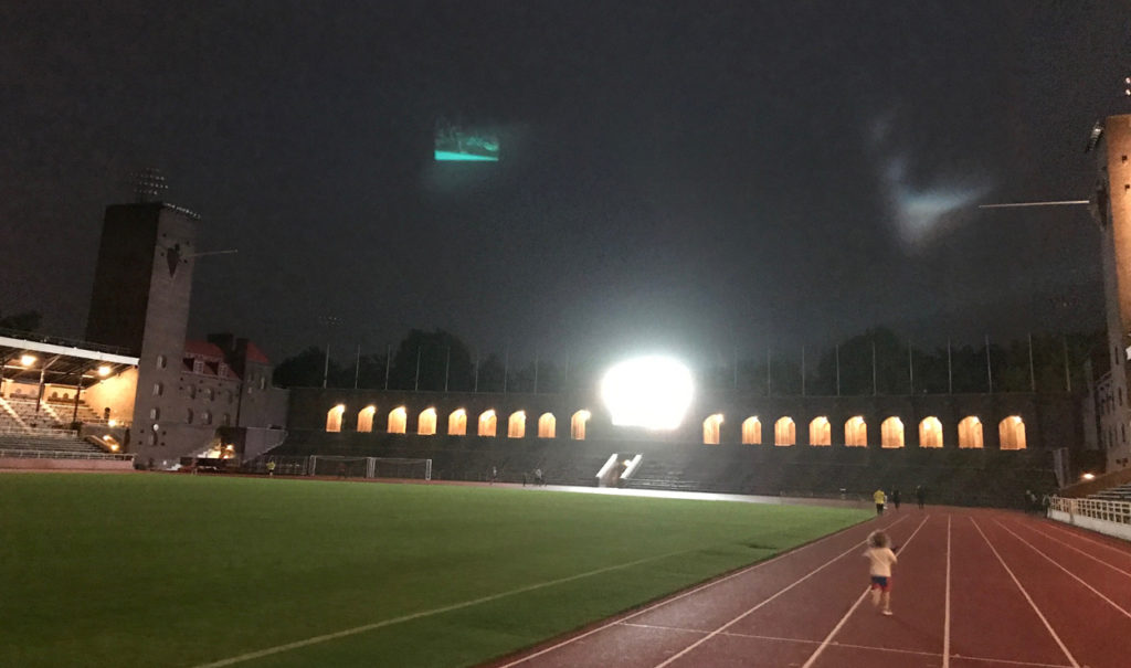 Spring för Världens barn på Stockholms Stadion.