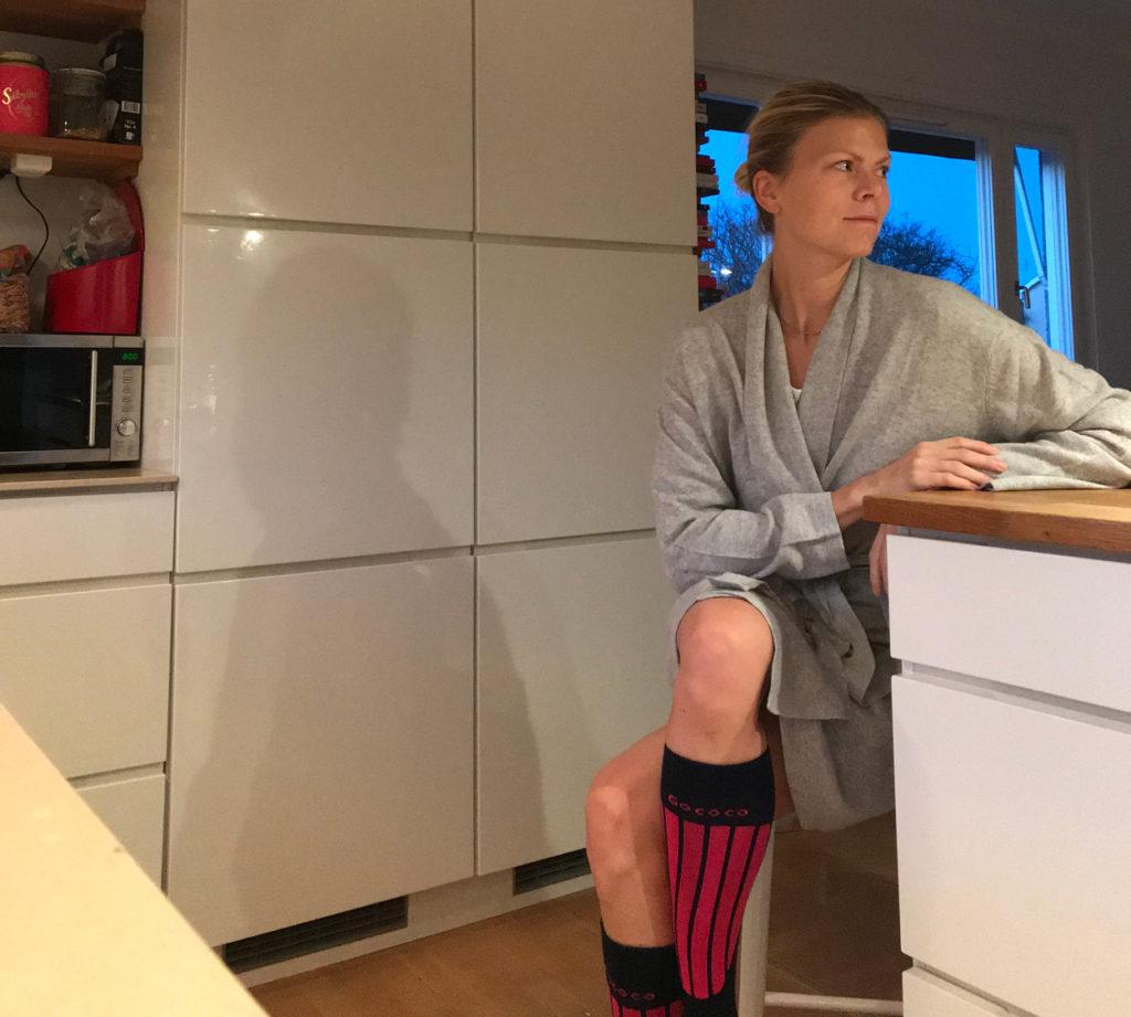 I köket får jag en lugn stund innan familjen vaknar.