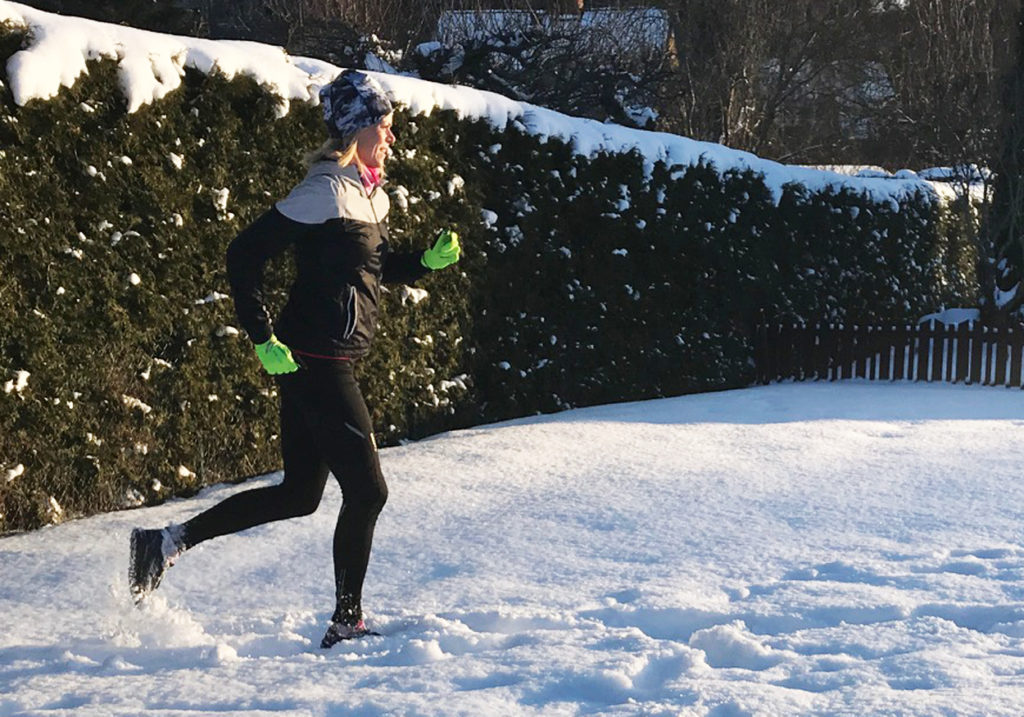 Vinterlöpning i härligt kvällsljus.